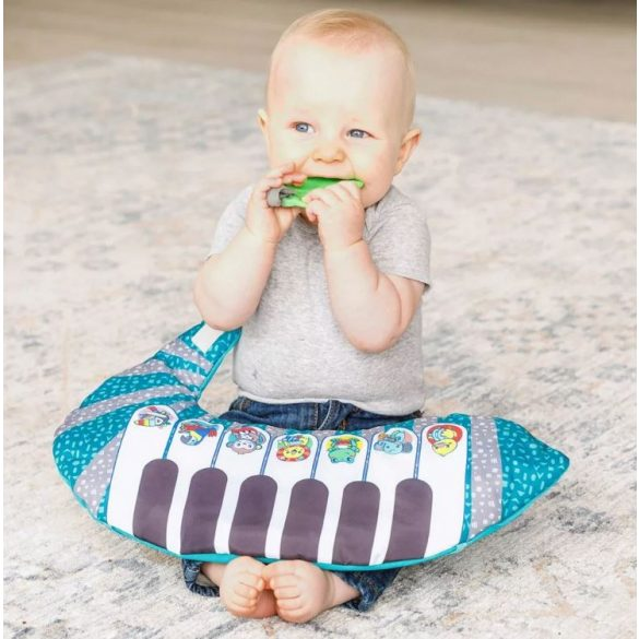 Infantino Grow with me pocakpárna zongorával 3in1