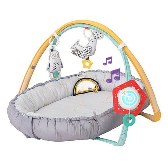 Taf Toys babafészek és játszószőnyeg 2in1 játékhíddal és zenelejátszóval